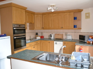 Honeycott Cottage - Well Equipped Kitchen