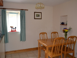 Honeycott Cottage - Dining Area