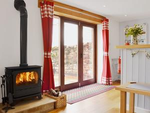 Bumble Barn - Cosy Wood Burner