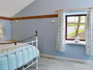 Bumble Barn - Double Bedroom